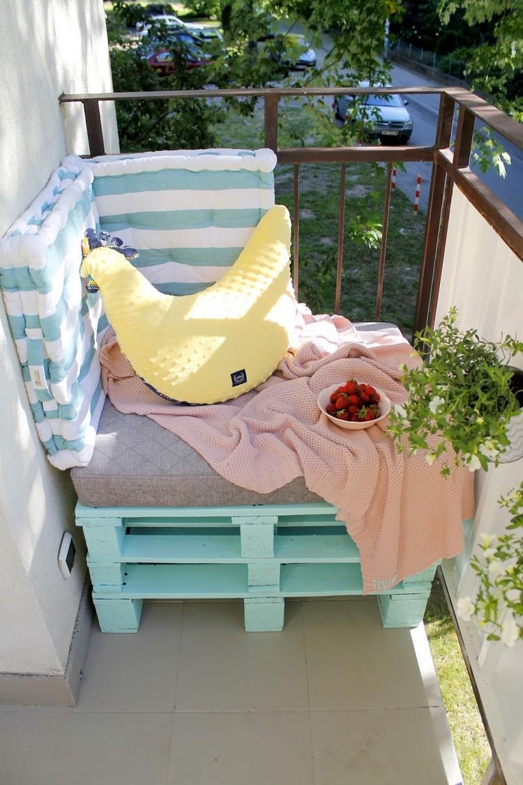 Balcony pallet Sofa ideas17