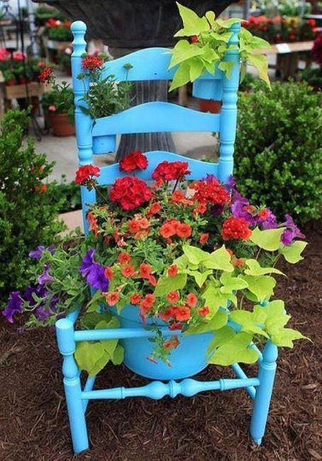 old chairs planters1