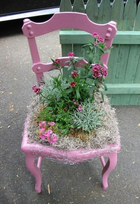 old chairs planters9
