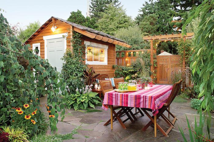garden shed of Leanne and Jordan Rubin, Seattle, WA. 206.417-3414. 2006 Dream Garden Award home gardener winner. Incredible makeover. Job# 0630